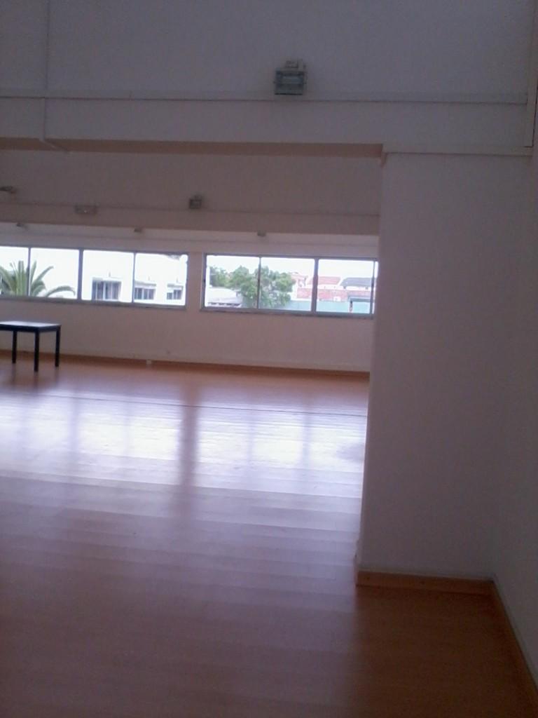 Armazém com 201 m² em Polima