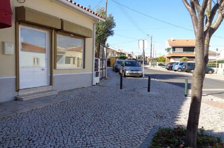 Loja para arrendamento para comércio ou serviços no centro de Tires