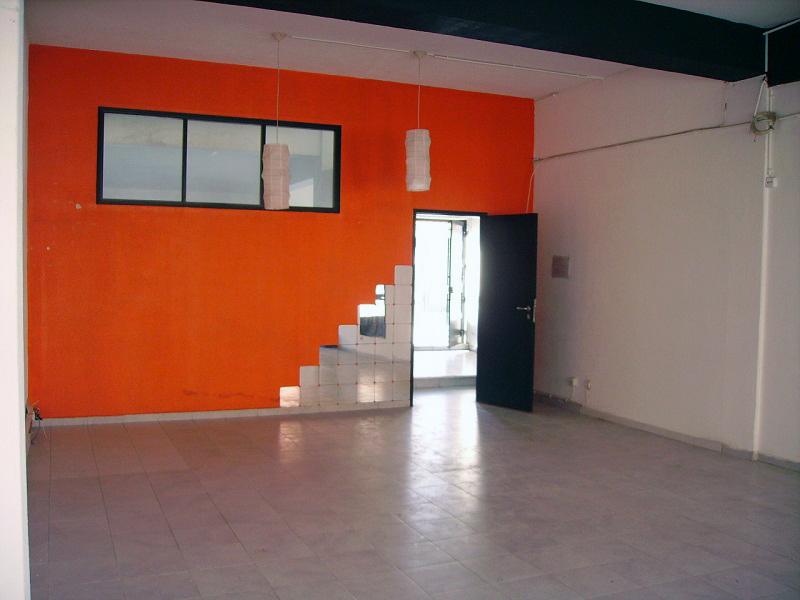 Loja com 450 m² para venda na Parede