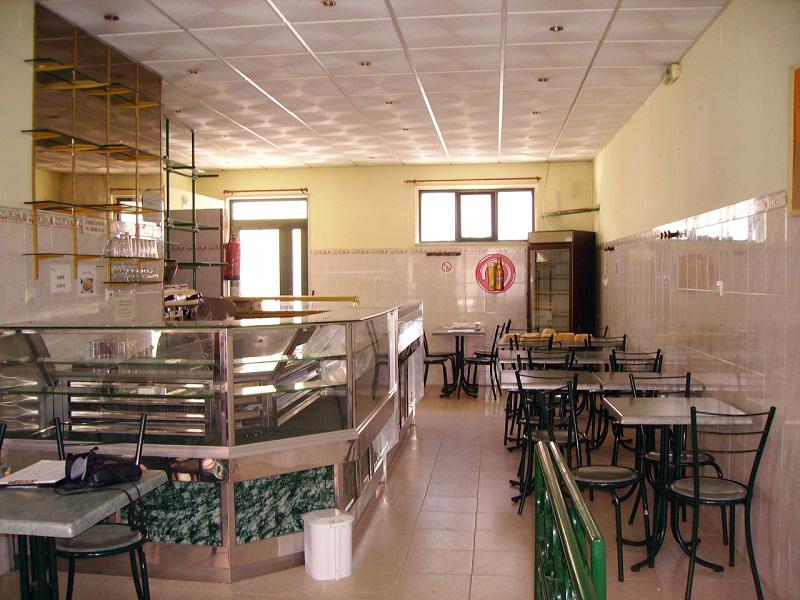 Restaurante licenciado com 90 m² para venda (S. Domingos de Rana)- Baixa de valor
